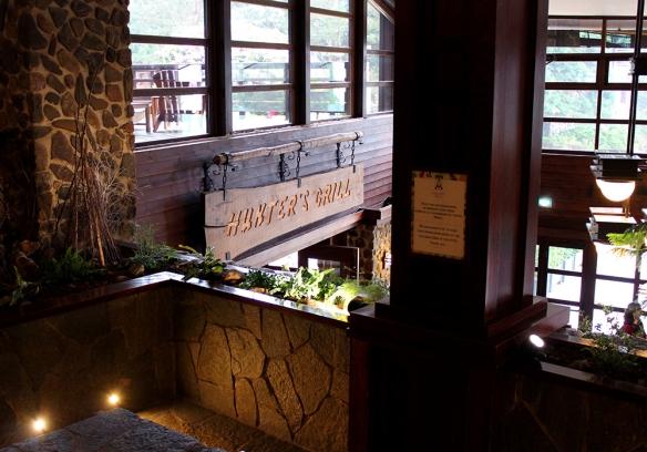 Anniversaire -  [Trip Report DLP] L'anniversaire sans fin ! / Week end au Sequoia Lodge (TERMINÉ) - Page 2 Huntersgrill_1