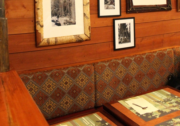 Anniversaire -  [Trip Report DLP] L'anniversaire sans fin ! / Week end au Sequoia Lodge (TERMINÉ) - Page 2 Huntersgrill_6