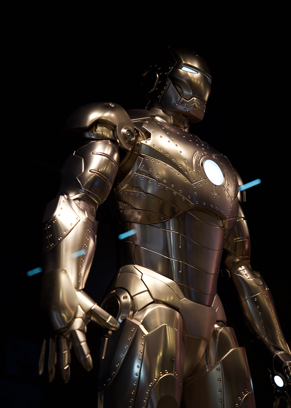 [Trip Report DLP] Découverte du Disney's Hotel New York – The Art of Marvel ! Zz_armors_2